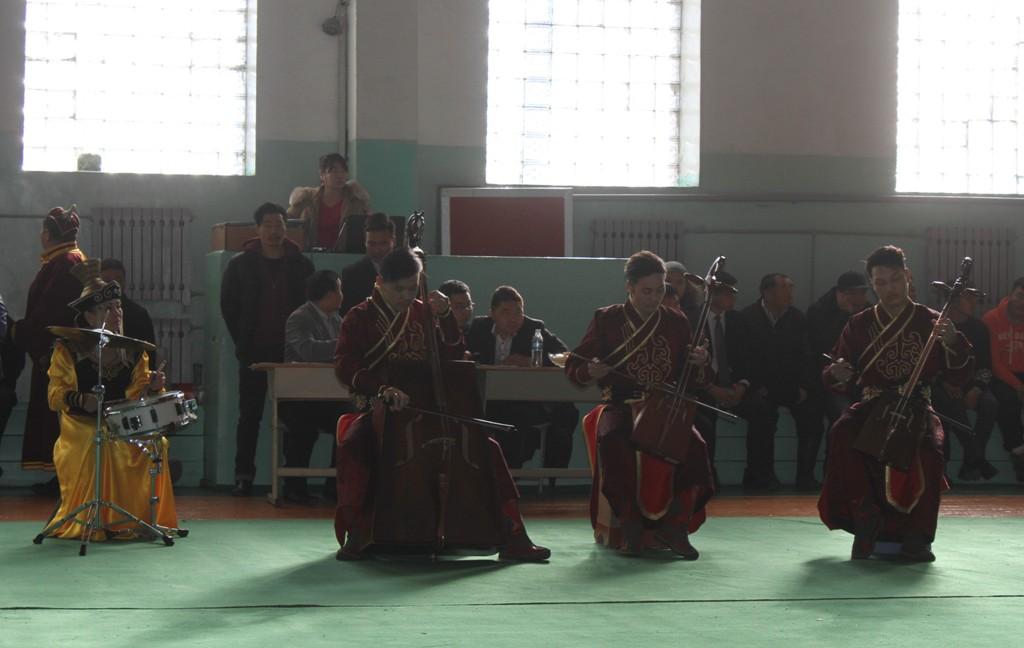 undsen-khuuliin-udur-2017-04